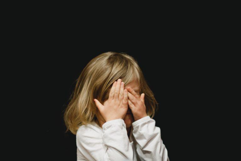 Hooggevoelige kinderen vinden sprookjes of een spannende film soms eng. En dat mag.